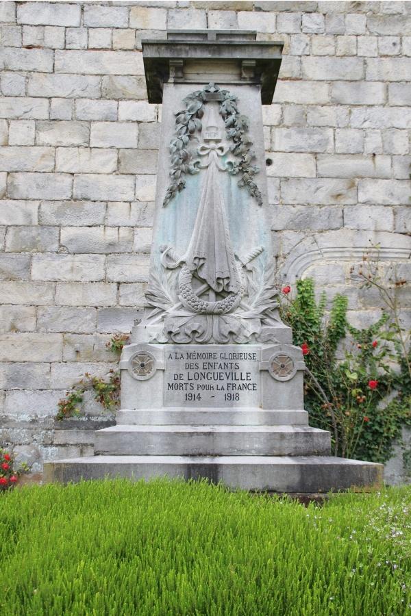 Photo Longueville-sur-Scie - le monument aux morts