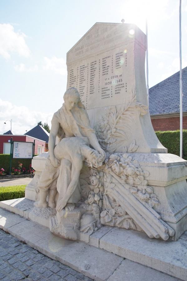Photo Saint-Nicolas-d'Aliermont - Monuments Aux Morts