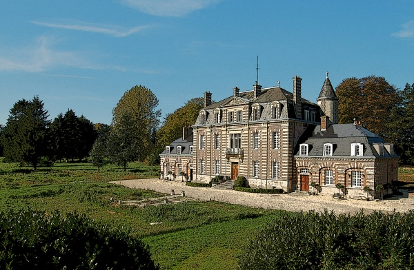 Photo Sommesnil - The restored Chateau of Sommesnil