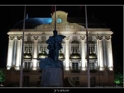Photo paysage et monuments, Yvetot - Vue de la mairie de nuit