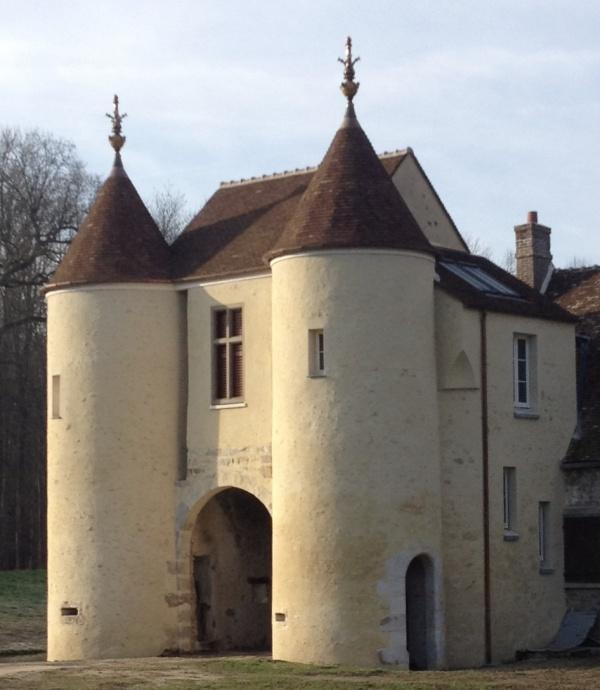 Restauration moyenâgeuse de l'ancienne Seigneurie du Ménillet ⚜️⚜️⚜️