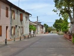 Photo paysage et monuments, Montans - Rue du Village