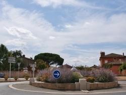 Photo paysage et monuments, Montans - Le Village ( Rond-Point )