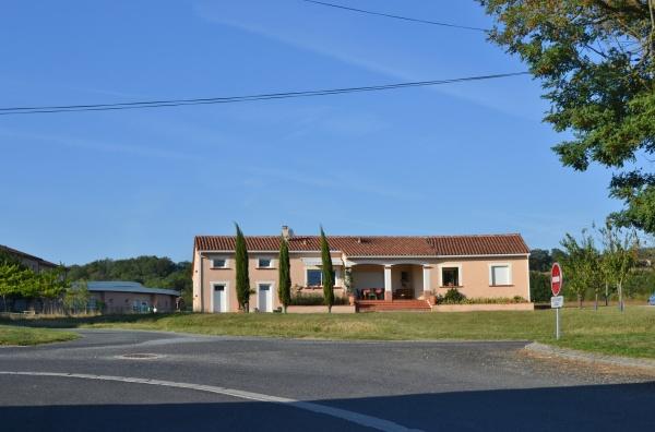 Photo Serviès - Le Village