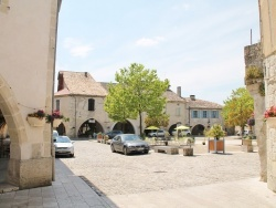 Photo paysage et monuments, Castelsagrat - Le Village