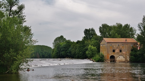 Photo Lamothe-Capdeville - Ancien Moulin sur L'Aveyron