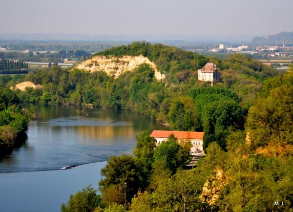 Photo Moissac - Ste Livrade, le Tarn, la centrale hydraulique, le Chateau