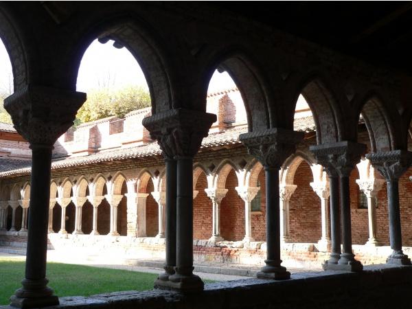 Photo Moissac - alternance de colonnes simples et géminées