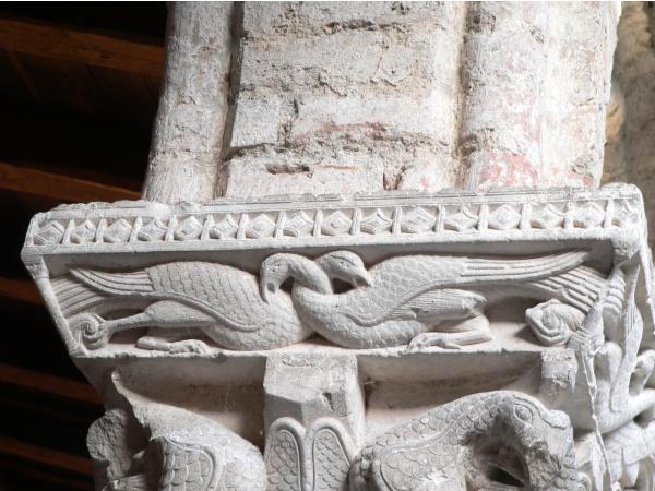 Photo Moissac - tailloir d'un des châpiteaux du cloître