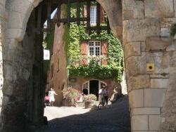 Photo paysage et monuments, Monclar-de-Quercy - Cordes sur ciel