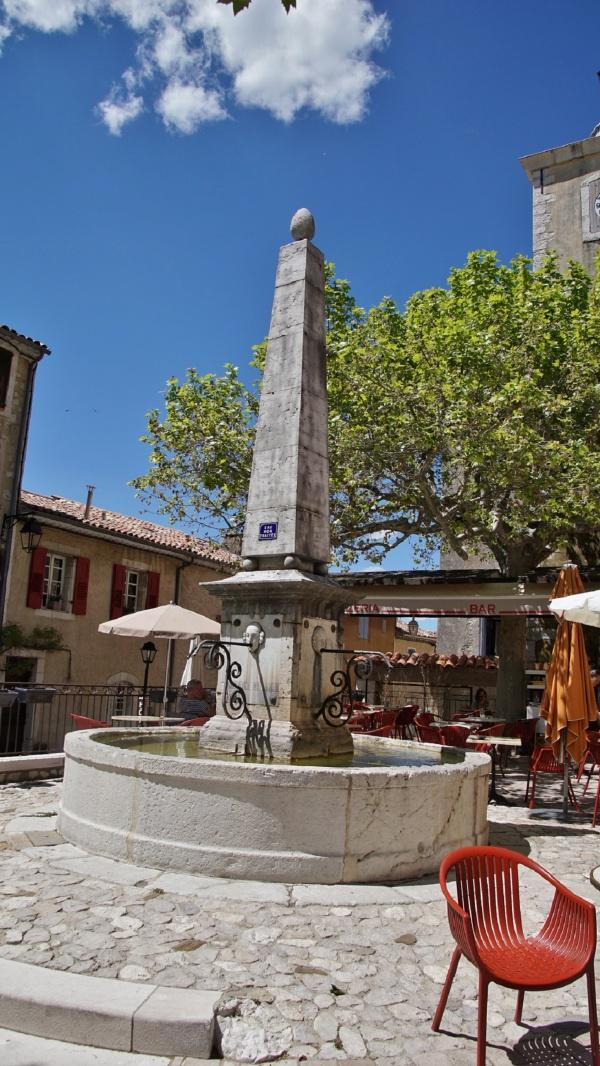 Photo Aiguines - la fontaine