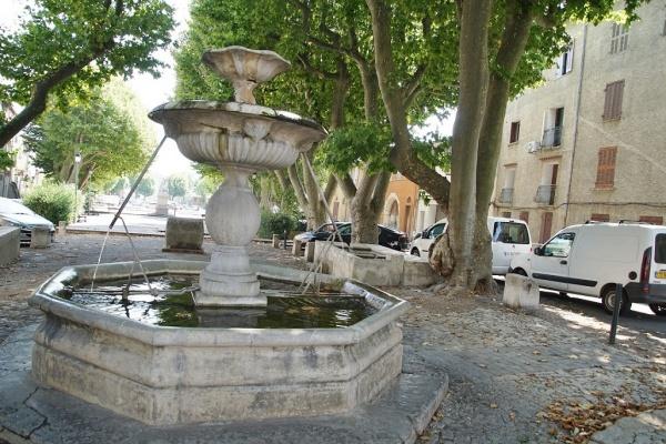 Photo Barjols - Fontaine