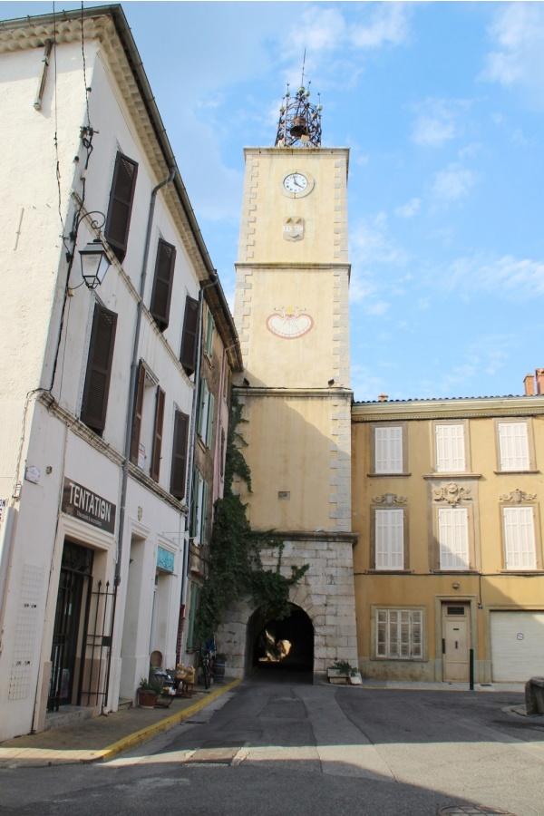 Photo Besse-sur-Issole - église Sainte Madeleine