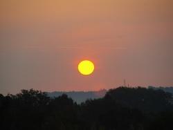 Photo paysage et monuments, Grimaud - lever de soleil au dessus de St Tropez vu depuis les Roberts à Grimaud