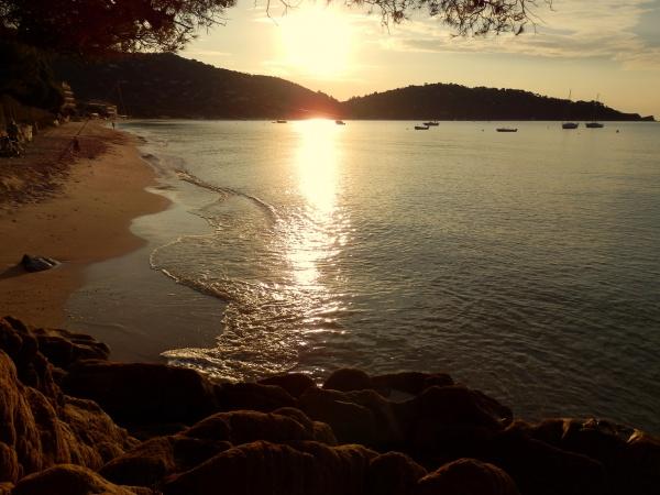 La plage de Cavalière un matin de dbt sept.