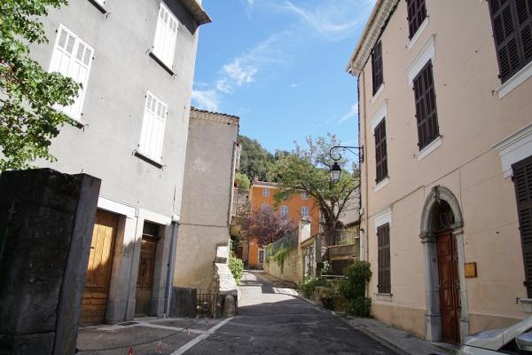 Photo Méounes-lès-Montrieux - Le Village