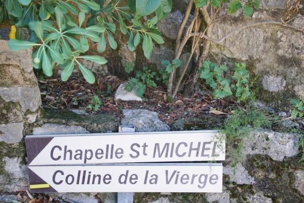 Photo Méounes-lès-Montrieux - chapelle Michel