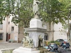 Photo paysage et monuments, Néoules - la fontaine