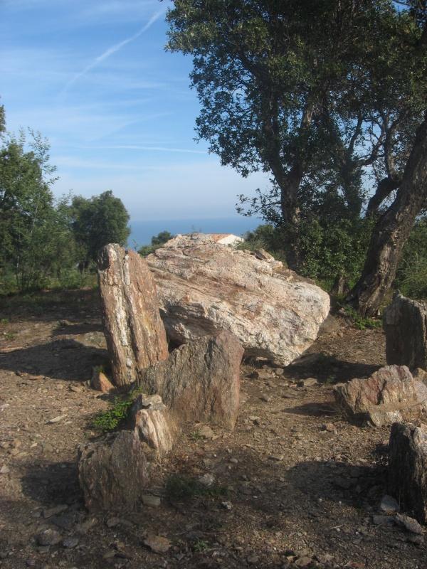 Dolmen de la Gaillarde (Roquebrune)