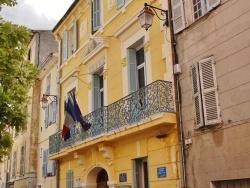 Photo paysage et monuments, La Roquebrussanne - Hotel-de-Ville