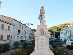 Photo paysage et monuments, Saint-Zacharie - Monuments Aux Morts