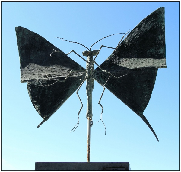 Papillon...sculpture de B.Buffet.