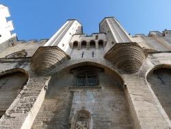 Photo paysage et monuments, Avignon - entrée imposante du palais des pâpes
