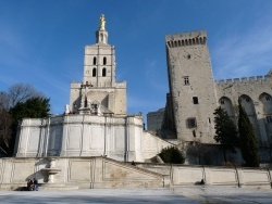 Photo paysage et monuments, Avignon - place du palais des papes