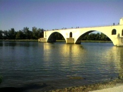 Photo paysage et monuments, Avignon - Sur le Pont d'Avignon .
