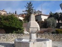Photo paysage et monuments, Bédoin - fontaine