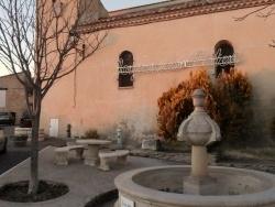Photo paysage et monuments, Blauvac - église et fontaine