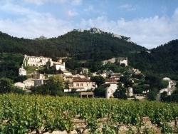 Photo paysage et monuments, Gigondas - Vue du village de Gigondas les Dentelles de Montmirail