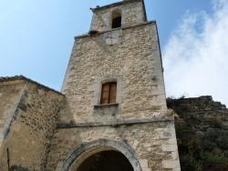 Photo paysage et monuments, Maubec - église trés ancienne