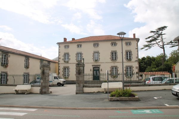 Photo Avrillé - la mairie