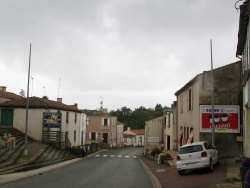 Photo de Beaulieu-sous-la-Roche