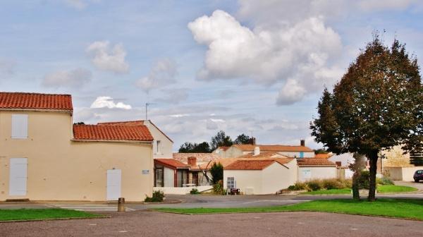 Photo La Jonchère - La Commune