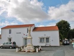 Photo paysage et monuments, Sainte-Radégonde-des-Noyers - La Mairie
