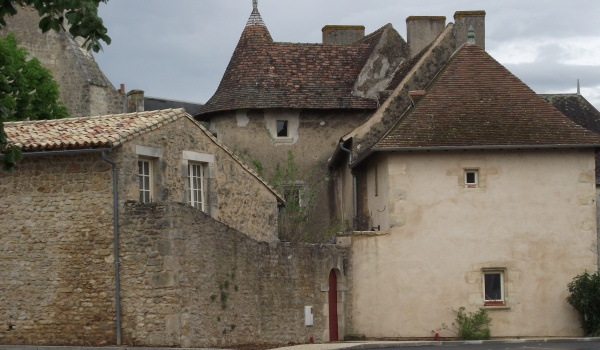 Première partie construite au XVe siècle dans le style angevin
