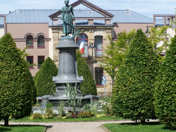 Photo Épinal - Place Jeanne d'Arc Epinal