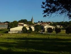 Photo paysage et monuments, Esley - Vue Esley et son clocher