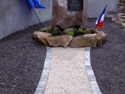L'espace dédié à la stèle