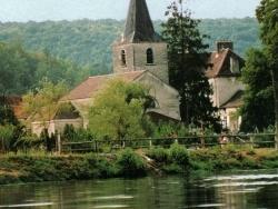 Photo paysage et monuments, Aisy-sur-Armançon - Eglise-sur-le-bord-de-l'-Armançon