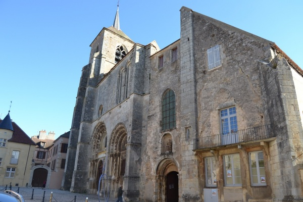 Photo Avallon - église St Lazare