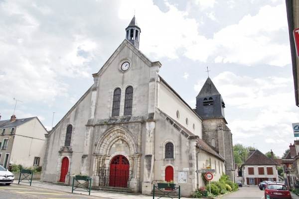 Photo Bléneau - église Saint Loup