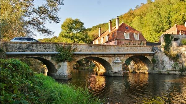 Photo Domecy-sur-Cure - --Pont sur La Cure