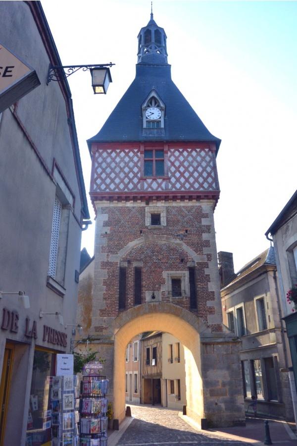 Le Beffroi de Saint-Fargeau.