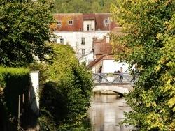 Photo paysage et monuments, Tonnerre - Passerelle sur L'Armançon