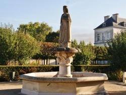 Photo paysage et monuments, Tonnerre - Fontaine