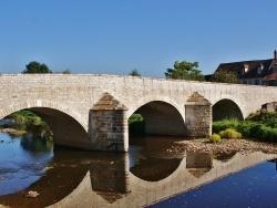 Photo paysage et monuments, Vault-de-Lugny - Pont sur Le Cousin