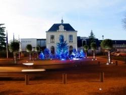 Photo paysage et monuments, Le Plessis-Bouchard - L'Hôtel de ville revêt ses habits de fête